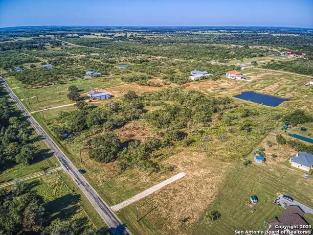 4045 Jakes Colony Rd, Seguin, TX 78155 (MLS #1565210) :: ForSaleSanAntonioHomes.com
