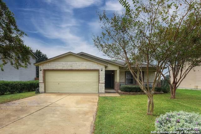 1532 Cap Ridge Peak, New Braunfels, TX 78130 (MLS #1565232) :: Beth Ann Falcon Real Estate