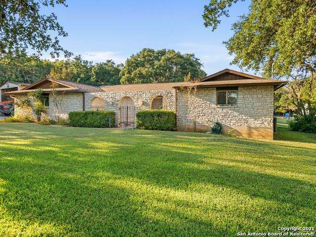 9811 Tamber Ln, San Antonio, TX 78255 (MLS #1565345) :: Alexis Weigand Real Estate Group