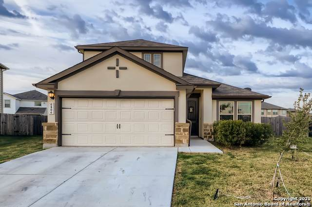 6806 Gusty Plain, San Antonio, TX 78244 (MLS #1565458) :: The Real Estate Jesus Team