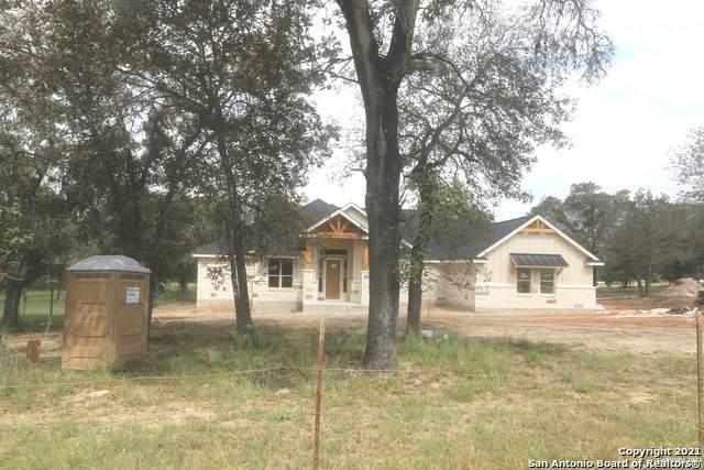 837 Shady Grove Ln, Adkins, TX 78101 (MLS #1565508) :: ForSaleSanAntonioHomes.com