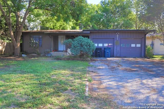 571 W Merriweather St, New Braunfels, TX 78130 (MLS #1565610) :: 2Halls Property Team | Berkshire Hathaway HomeServices PenFed Realty