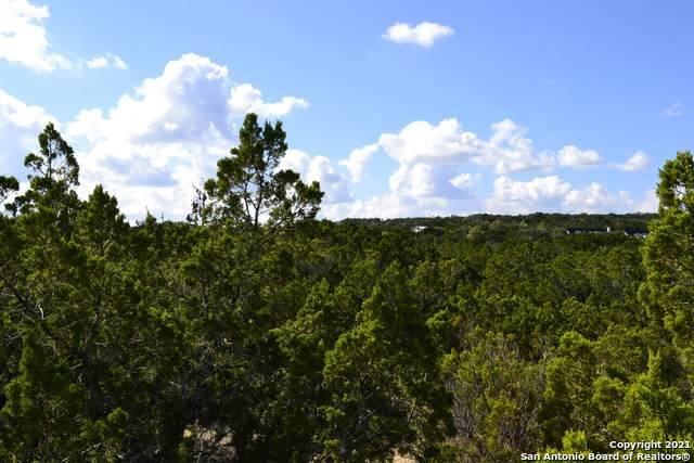 124 Camp Verde Rd, Bandera, TX 78003 (MLS #1565756) :: Phyllis Browning Company