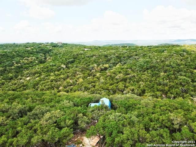 688 Wilderness Trl, Pipe Creek, TX 78063 (MLS #1565798) :: The Curtis Team