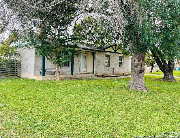 302 Candy Dr, Converse, TX 78109 (MLS #1565876) :: Carter Fine Homes - Keller Williams Heritage