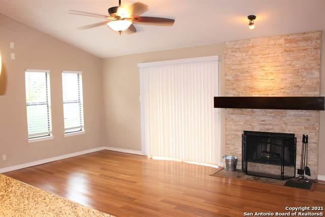 11520 Huebner Rd #504, San Antonio, TX 78230 (MLS #1565940) :: Beth Ann Falcon Real Estate
