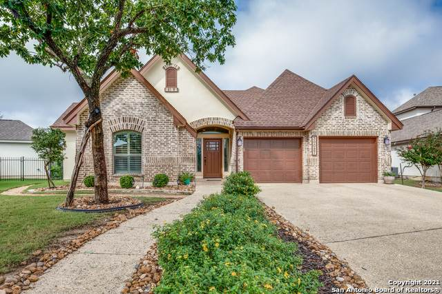 30027 Cibolo Path, Fair Oaks Ranch, TX 78015 (MLS #1565963) :: The Gradiz Group