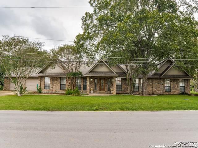 503 Peach St, Jourdanton, TX 78026 (MLS #1565974) :: Beth Ann Falcon Real Estate