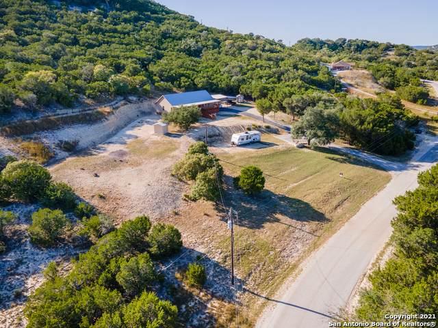 265 N Polly Peak Dr, Bandera, TX 78003 (MLS #1566083) :: Green Residential