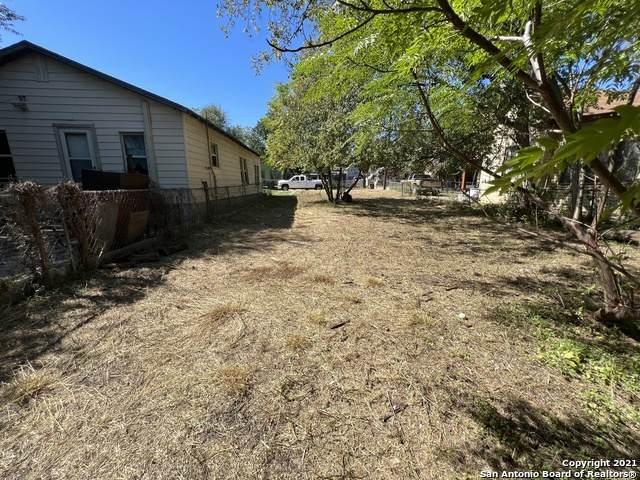 126 Adaes Ave, San Antonio, TX 78207 (MLS #1566139) :: 2Halls Property Team | Berkshire Hathaway HomeServices PenFed Realty