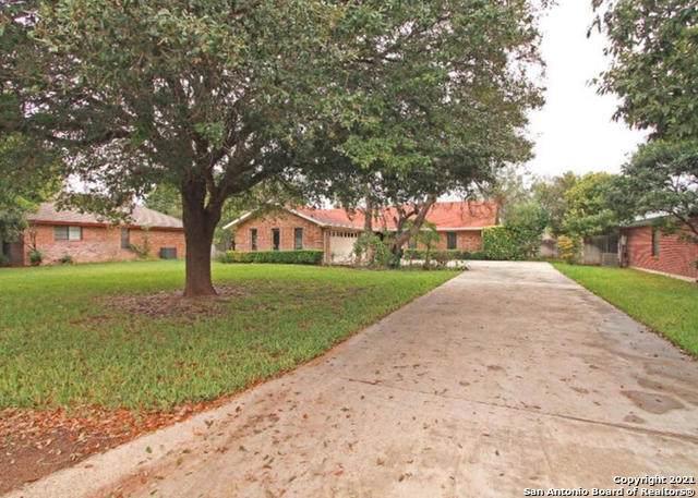 112 Cottonwood, Uvalde, TX 78801 (MLS #1566158) :: Countdown Realty Team