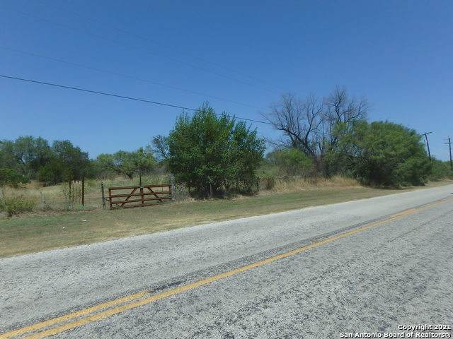 13239 Pearsall Rd, Lytle, TX 78052 (MLS #1566196) :: JP & Associates Realtors