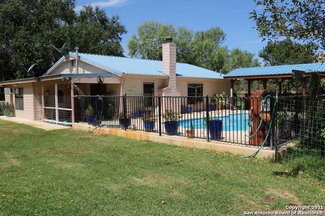 6875 W Fm 2200, Yancey, TX 78886 (MLS #1566205) :: Phyllis Browning Company