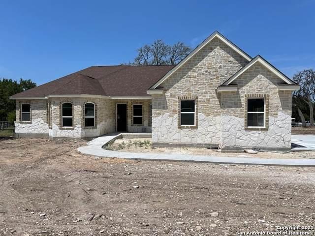 276 Saddle Horn, Bandera, TX 78003 (MLS #1566309) :: Green Residential