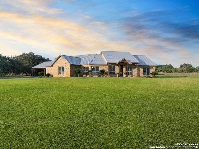 1005 Casarez Rd, Pleasanton, TX 78064 (#1566317) :: The Perry Henderson Group at Berkshire Hathaway Texas Realty