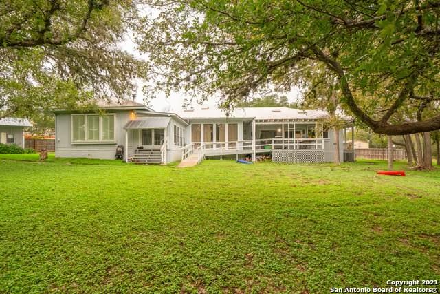 1516 Enchanted River Dr, Bandera, TX 78003 (MLS #1566387) :: Green Residential
