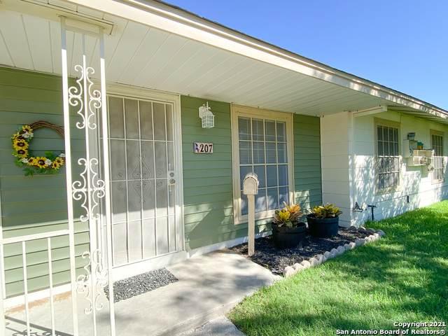 207 Whitefield Ave, San Antonio, TX 78223 (MLS #1566414) :: Carolina Garcia Real Estate Group