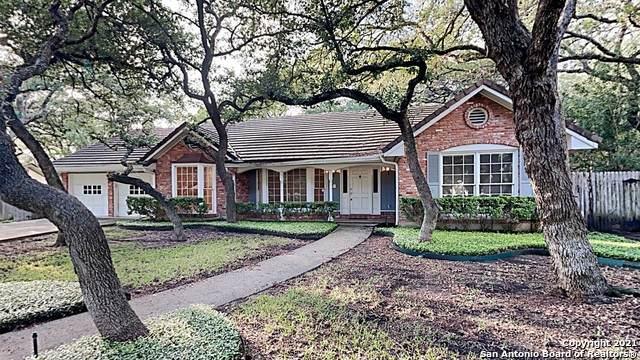 105 Vuewood St, Castle Hills, TX 78213 (MLS #1566430) :: Carolina Garcia Real Estate Group