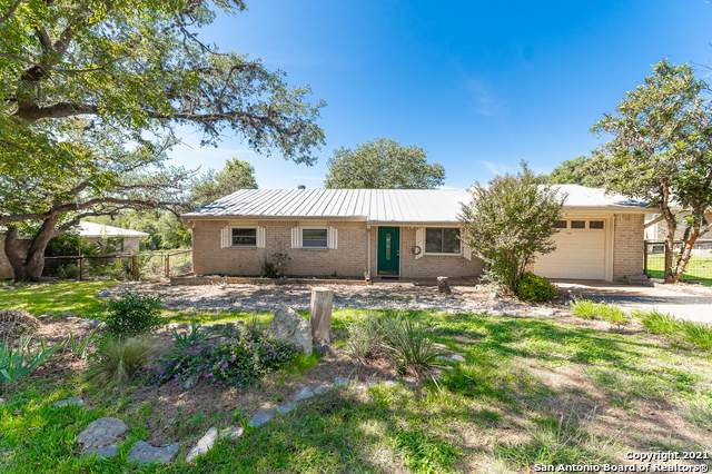 710 Fifth St, Comfort, TX 78013 (#1566704) :: The Perry Henderson Group at Berkshire Hathaway Texas Realty