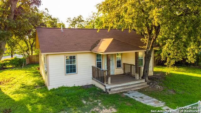 207 Covington Rd, San Antonio, TX 78220 (MLS #1566706) :: Beth Ann Falcon Real Estate
