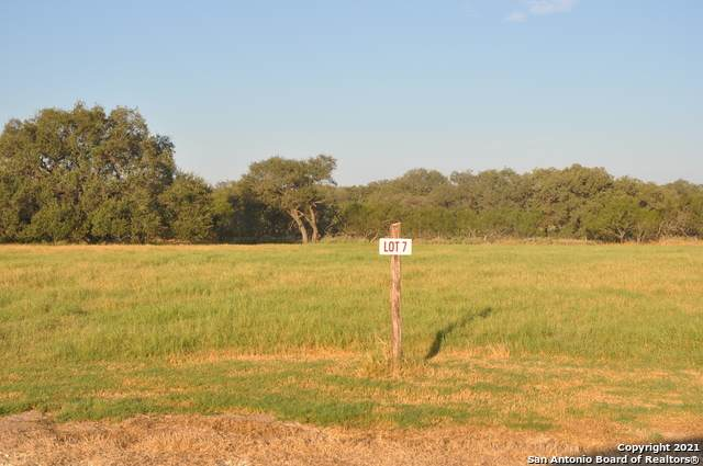 LOT 7 Private Road 7614, Devine, TX 78016 (MLS #1566735) :: The Glover Homes & Land Group