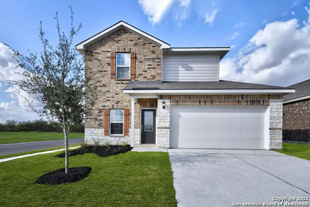 9218 Foxing Bluff, Converse, TX 78109 (MLS #1566800) :: Carolina Garcia Real Estate Group