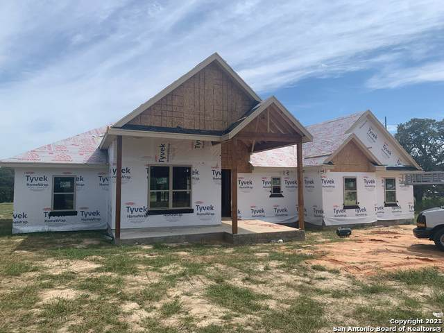 104 Settlement Dr, La Vernia, TX 78121 (MLS #1566819) :: The Gradiz Group