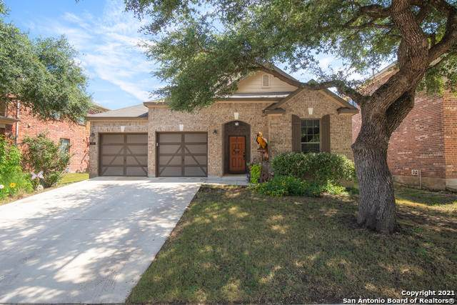 208 Lone Star, Boerne, TX 78006 (#1566841) :: The Perry Henderson Group at Berkshire Hathaway Texas Realty