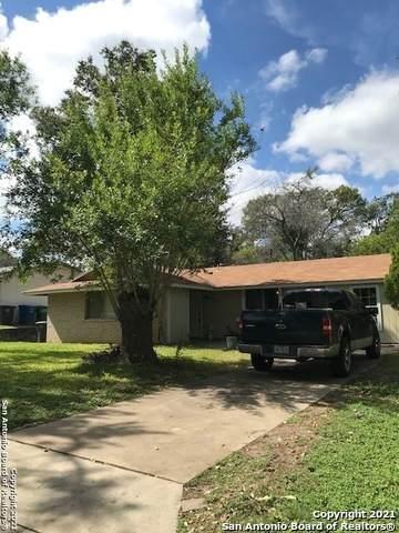 8415 Deer Hollow, San Antonio, TX 78230 (#1566936) :: The Perry Henderson Group at Berkshire Hathaway Texas Realty