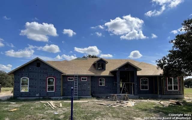 112 Settlement Dr, La Vernia, TX 78121 (MLS #1566987) :: The Gradiz Group