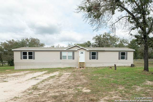 998 Highlands Loop, Poteet, TX 78064 (MLS #1567071) :: Concierge Realty of SA