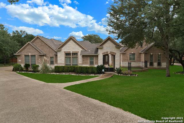 8838 Cherokee Path, Garden Ridge, TX 78266 (MLS #1567125) :: BHGRE HomeCity San Antonio