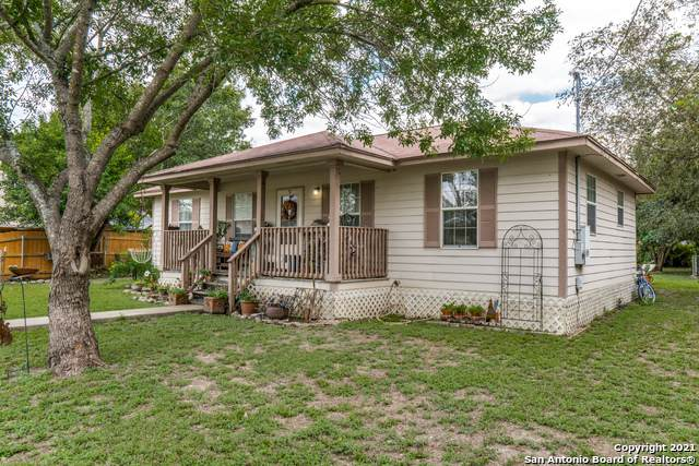 806 Berlin St, Castroville, TX 78009 (MLS #1567276) :: Sheri Bailey Realtor