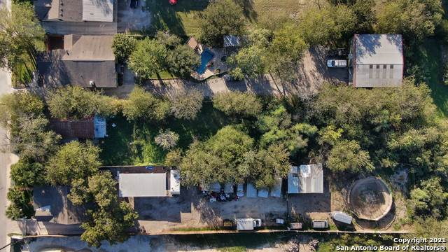 143 Gillette Blvd, San Antonio, TX 78221 (MLS #1567342) :: 2Halls Property Team | Berkshire Hathaway HomeServices PenFed Realty