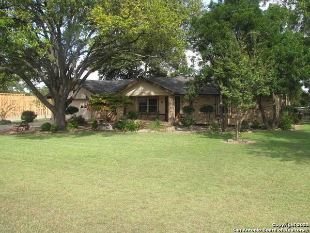 672 Live Falls, Canyon Lake, TX 78133 (MLS #1567353) :: The Real Estate Jesus Team
