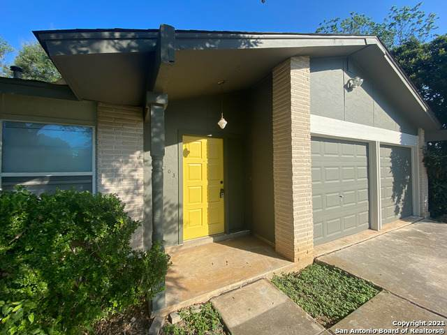 11703 Spring Mont St, San Antonio, TX 78249 (MLS #1567389) :: 2Halls Property Team | Berkshire Hathaway HomeServices PenFed Realty