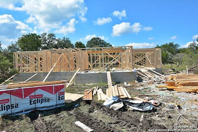 530 Horseshoe Track, Spring Branch, TX 78070 (MLS #1567488) :: The Real Estate Jesus Team