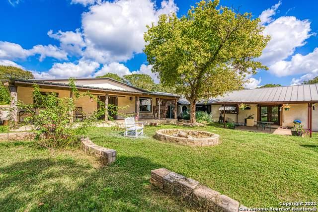 319 Los Indios Ranch Rd, Boerne, TX 78006 (MLS #1567505) :: Carolina Garcia Real Estate Group