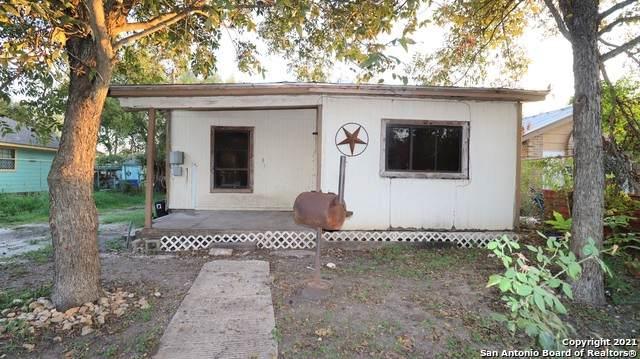 1402 Socorro, San Antonio, TX 78214 (MLS #1567510) :: Neal & Neal Team