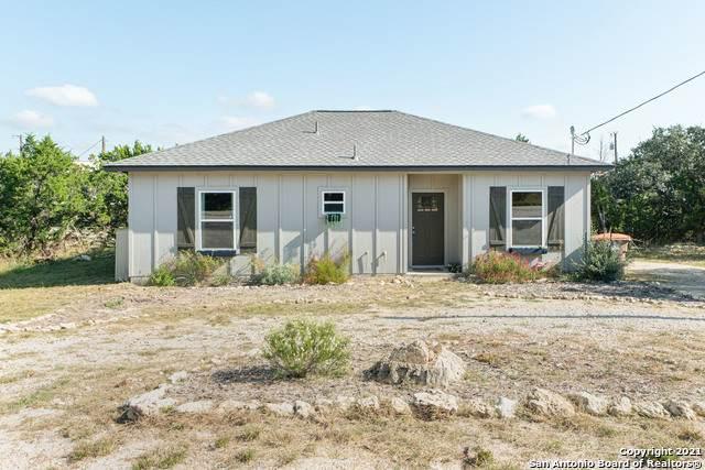 761 Hillside Dr, Spring Branch, TX 78070 (MLS #1567533) :: The Real Estate Jesus Team
