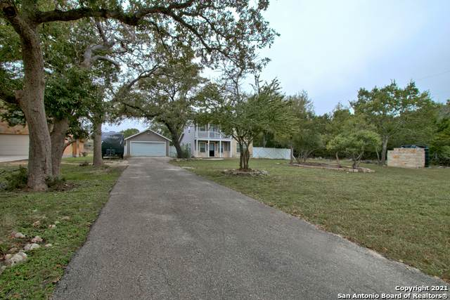 886 Deep Water Dr, Spring Branch, TX 78070 (MLS #1567816) :: 2Halls Property Team | Berkshire Hathaway HomeServices PenFed Realty
