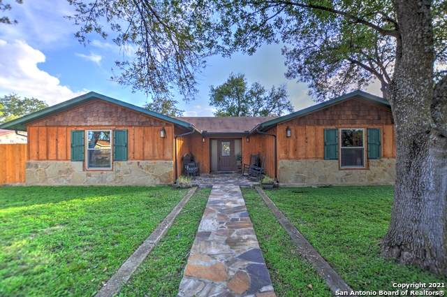 306 E Klein Rd, New Braunfels, TX 78130 (#1567840) :: The Perry Henderson Group at Berkshire Hathaway Texas Realty