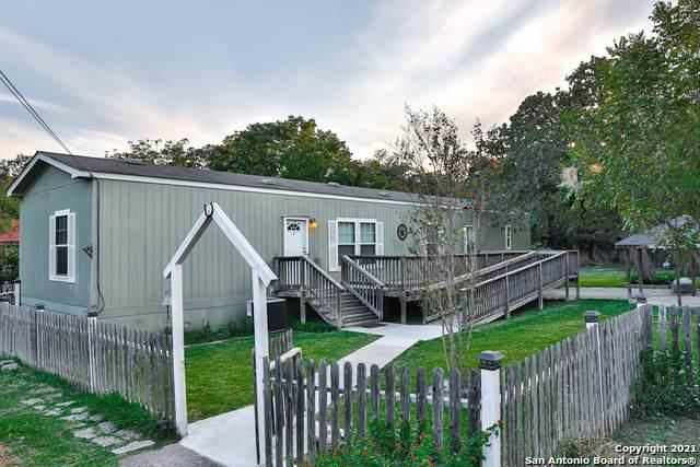 106 Ebensberger Ave, Boerne, TX 78006 (MLS #1567851) :: The Castillo Group