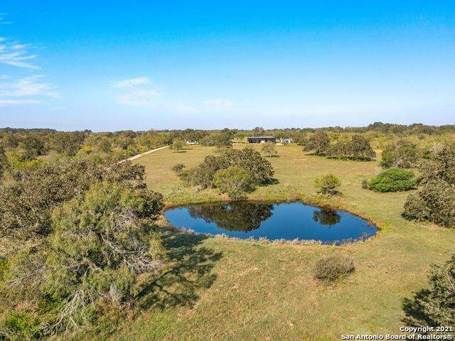 762 County Road 108, Floresville, TX 78114 (MLS #1568025) :: The Castillo Group