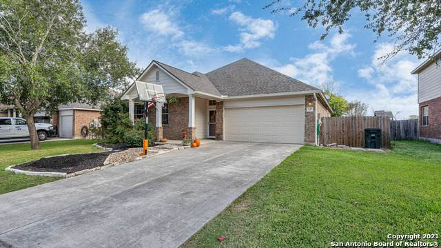 2051 Heaton Hall Dr, New Braunfels, TX 78130 (#1568068) :: The Perry Henderson Group at Berkshire Hathaway Texas Realty