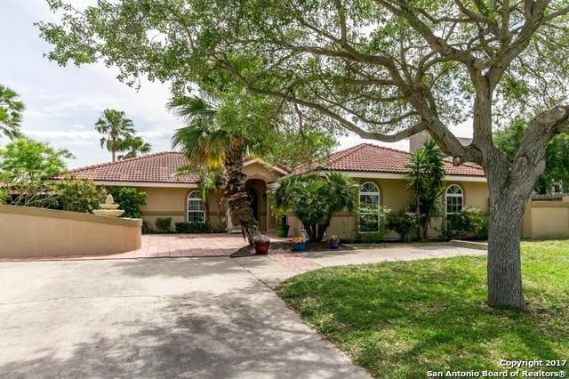 14013 Jackfish Ave, Corpus Christi, TX 78418 (MLS #1243079) :: Carrington Real Estate Services