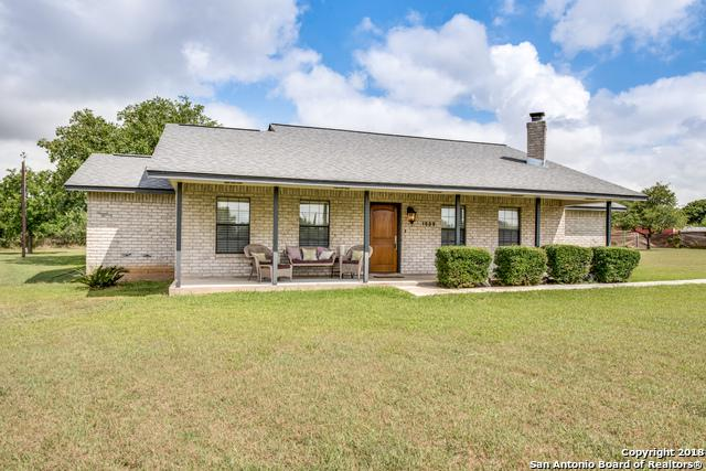 1809 Tierra Nueva, China Grove, TX 78263 (MLS #1252933) :: NewHomePrograms.com LLC
