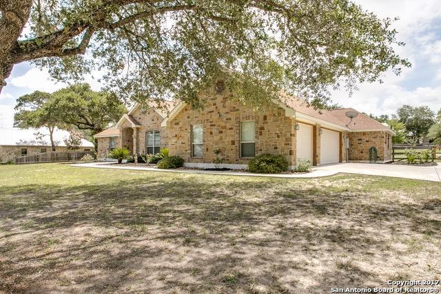 120 Copper Creek Dr, La Vernia, TX 78121 (MLS #1262930) :: Neal & Neal Team