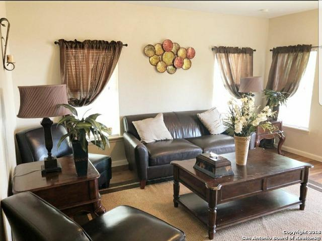 831 Thompson Pl, San Antonio, TX 78226 (MLS #1267287) :: Alexis Weigand Real Estate Group