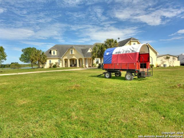 456 County Road 413A, Waelder, TX 78959 (MLS #1267763) :: The Castillo Group